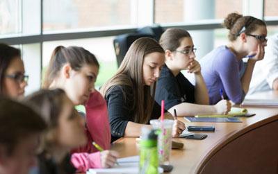 Recruit Students to Furman Alumni